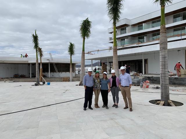 ASOLAN visita las obras del nuevo Hotel Lava Beach, primer 5* de Puerto del Carmen