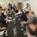 La ministra de Turismo se reúne con el presidente de CEHAT para abordar el futuro del sector